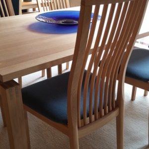 Spisebord udstillingsmodel tilbud
