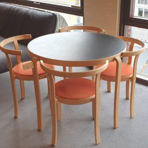 Cafebord med 4 stole - Magnus Olesen - Udstillingsmodel