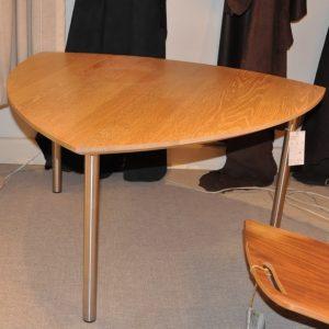 Sofabord Vankel - Eg bordplade, ben i stål - Udstillingsmodel