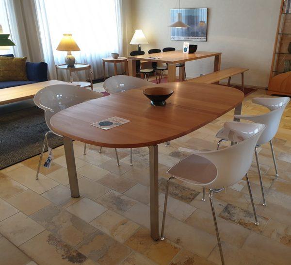 Spisebord Model 51 - Dampet bøg - Udstillingsmodel