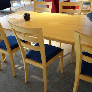 Spisebord med 2 plader og 6 stole