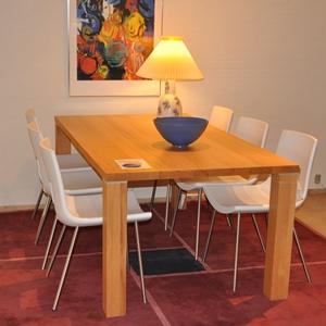 Spisebord med 6 stole - udstillingsmodel