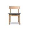 3236 Stol - Eg med polstret lædersæde tegnet af Børge Mogensen