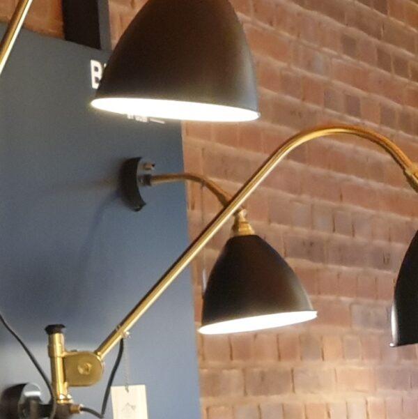 BL7 Væglampe Ø16 messing/sort - Gubi - Udstillingsmodel